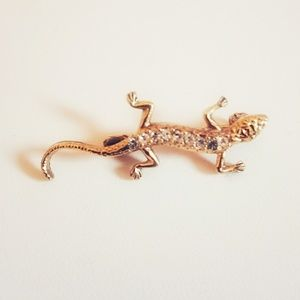 🆕️ Lovely Gold and Rhinestone Small Lizard Brooch